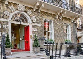 Exhibition of Pakistani artists open at Asia House in London