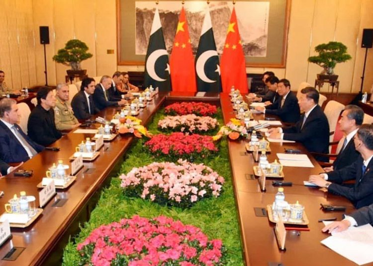 PM asks China's companies to relocate their industries to Pakistan
