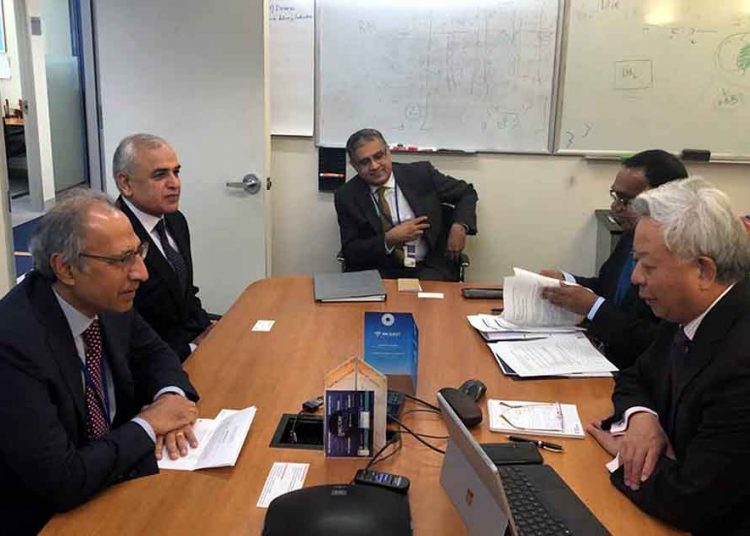 Pakistan's top aide meets officials of global financial institutions, business leaders in US