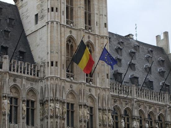Bronchain asks Pakistan to take advantage of Belgium's key position in EU