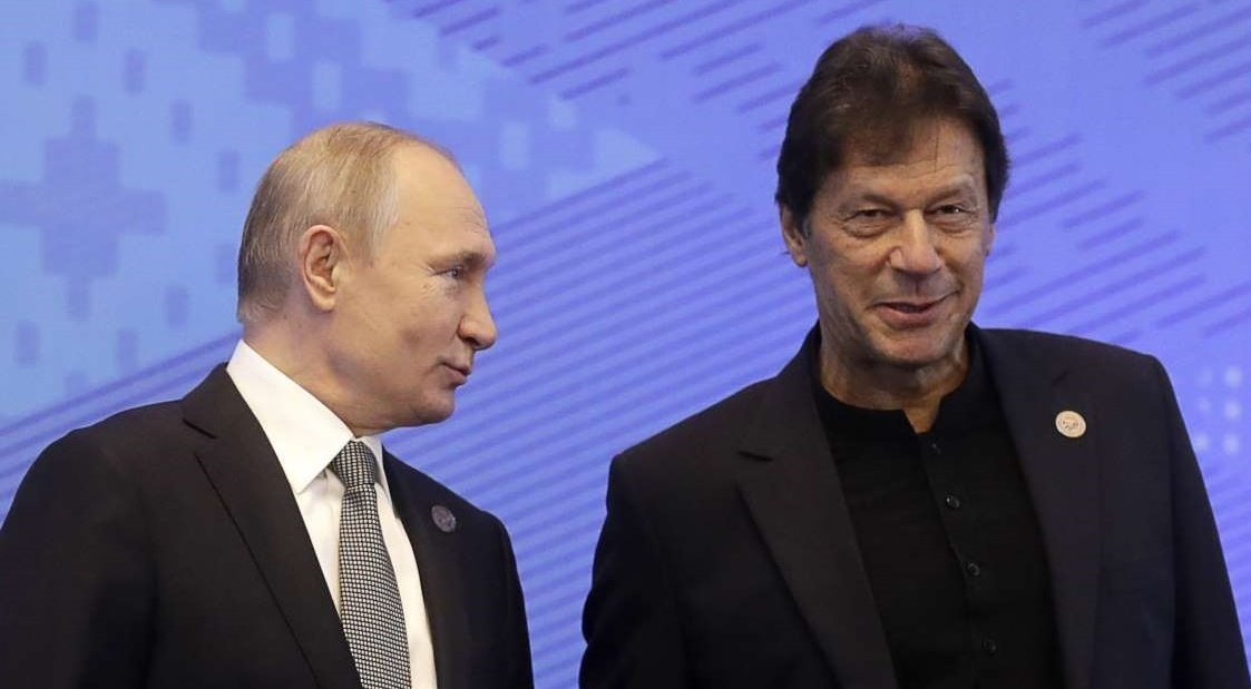 Russian Minister for Trade and Industry Denis Manturov calls on Prime Minister Imran Khan in Islamabad