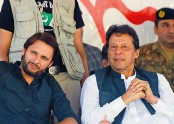 Afridi taunts Imran Khan